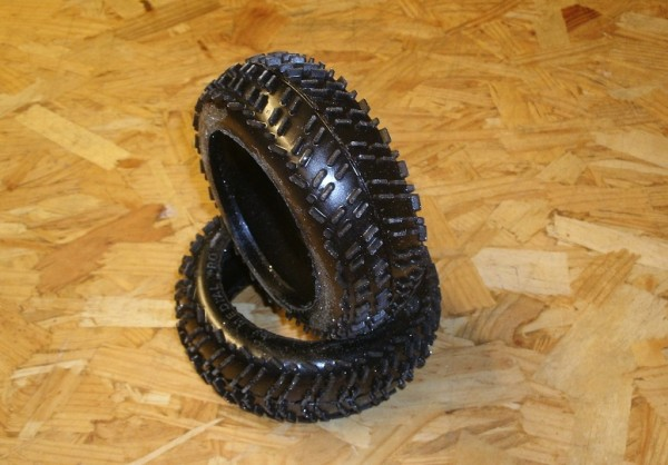 1:8 Medial Pro Buggy Reifen - TYRE Woops M1 Hard + Foam